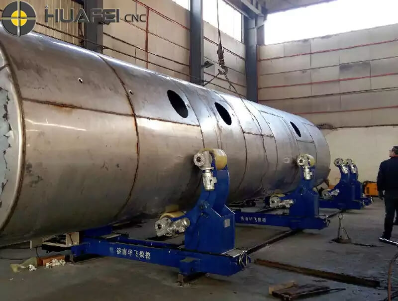 5T special-shaped tank rotator customer site installation and commissioning